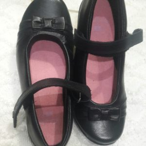6ece7b4817526 Clarks Girls Black Patent Leather School Shoes DAISY GLEAM | Lacreme ...